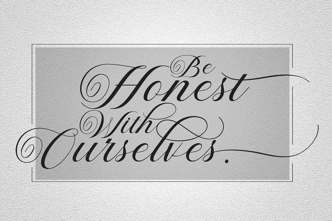 Violeta Script Font