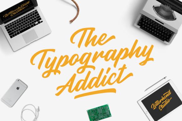 Rupture Script Font